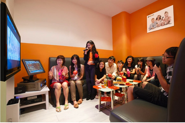 karaoke-for-everyone-in-singapore